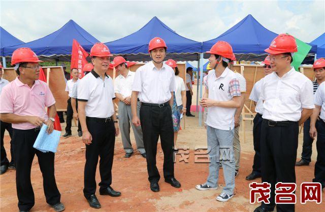 李红军、许志晖等市领导到广东农林科技职业学院调研建设工作。记者 丘立贺 摄.jpg